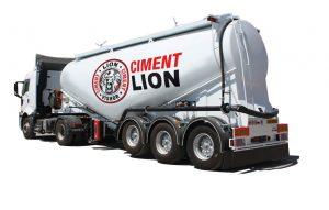 Camion de Ciment avec le logo de Ciment Lion